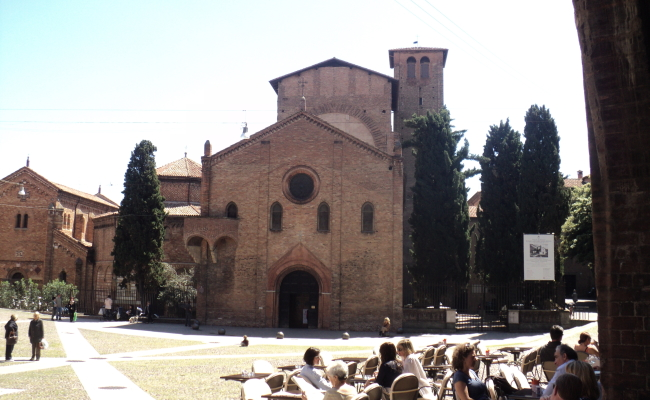 Classical Bologna Walking Tour ( 1 day tour)