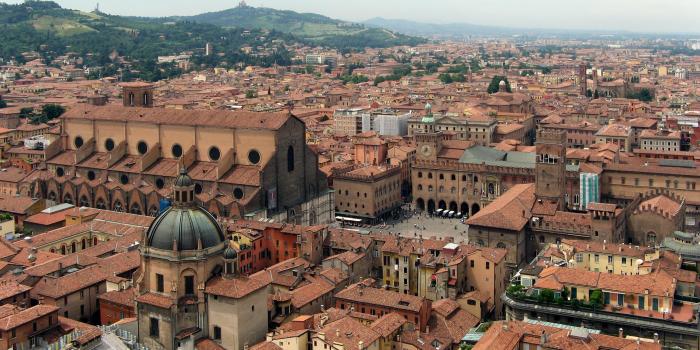 """Articoli su Bologna: Caroline Haertel dice: """"Bologne – l'une des plus belles villes italiennes"""""""