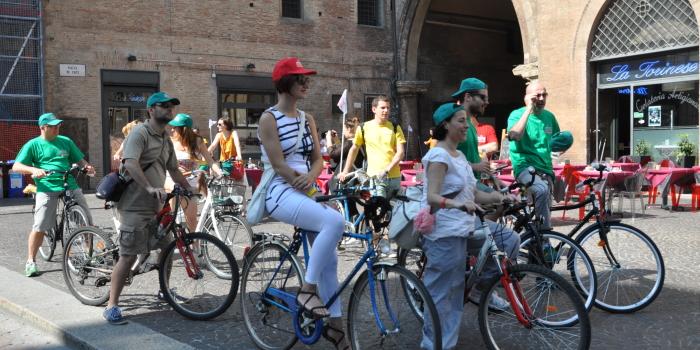 """(Italiano)  Bologna """"Incontri Tour"""" di Sanpellegrino"""