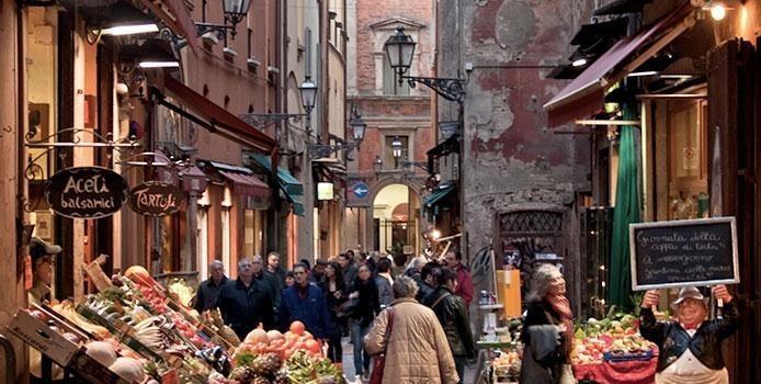 (Italiano) I mercati di Bologna